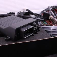 Спортна двигателна електроника MaxxECU STREET
